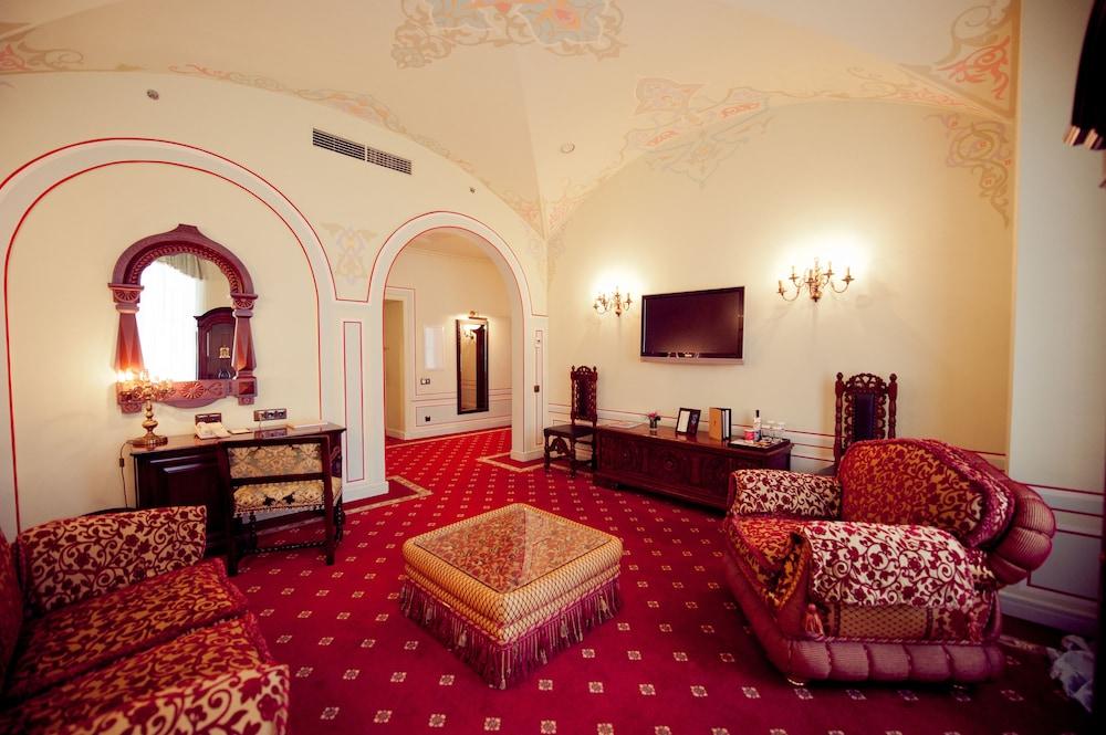 Отель «Опера»
