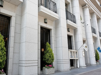 HOTEL MONTEREY KYOTO Exterior