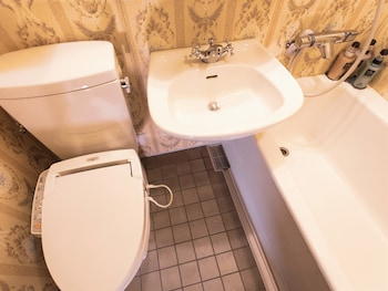 HOTEL MONTEREY OSAKA Bathroom