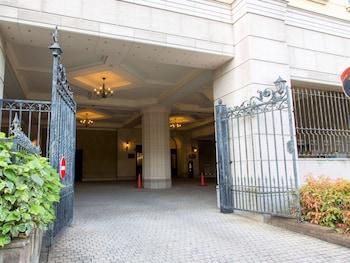 HOTEL MONTEREY OSAKA Parking
