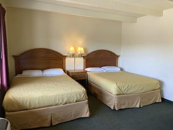 Economy Room, 2 Queen Beds