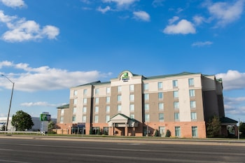 Hotel - Holiday Inn Express & Suites Brampton