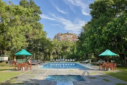 . Hotel Sigiriya