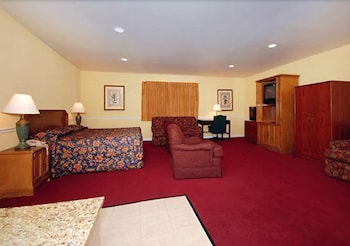 Suite, 1 King Bed, Non Smoking