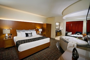 Suite, 2 Queen Beds, Accessible, Tower (Hard Rock)