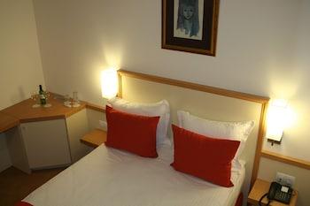 Junior Single Room