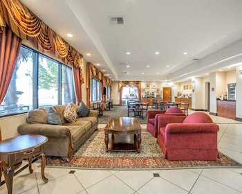 Lobby at Comfort Inn & Suites Las Vegas - Nellis in Las Vegas