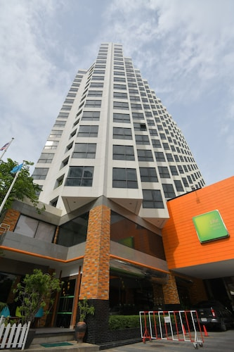 The Seasons Pattaya, Pattaya