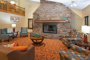 Hotel - AmericInn by Wyndham Greenville