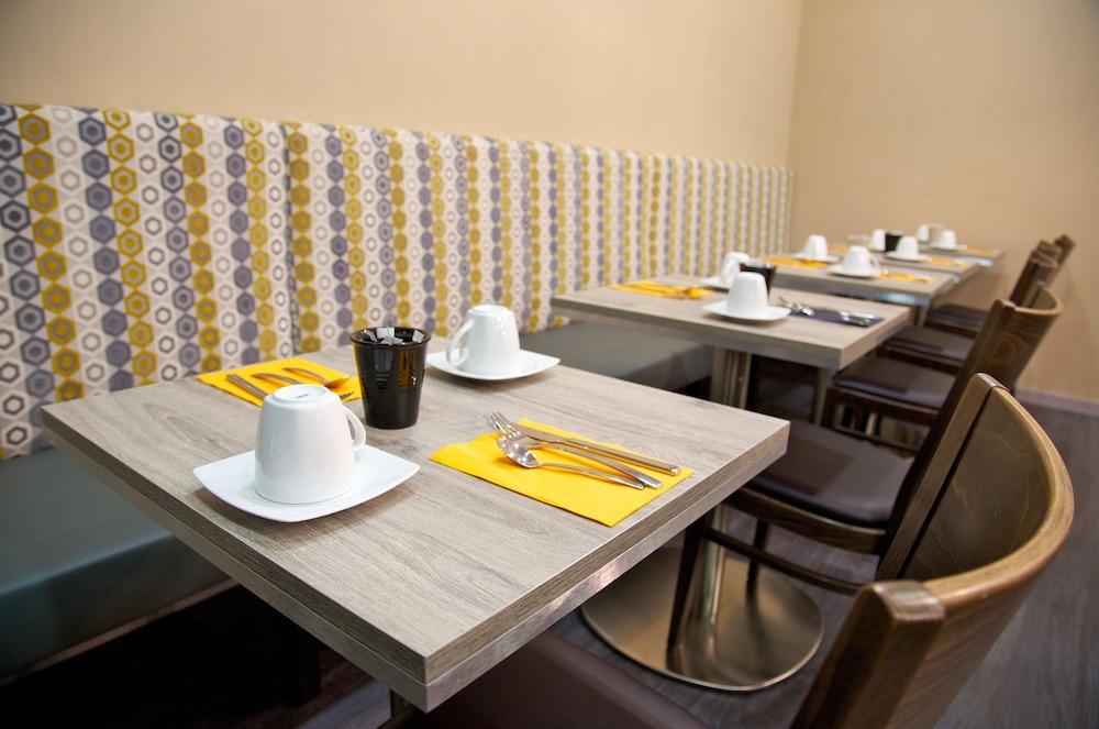 아카 로지  리옹 에(Aka Lodge Lyon Est) Hotel Image 18 - Breakfast Area