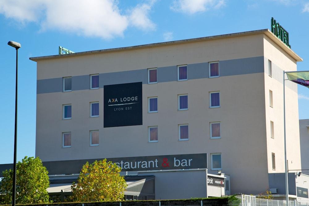 아카 로지  리옹 에(Aka Lodge Lyon Est) Hotel Image 3 - Hotel Front