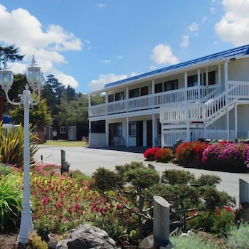 Coast Inn and Spa Fort Bragg photo