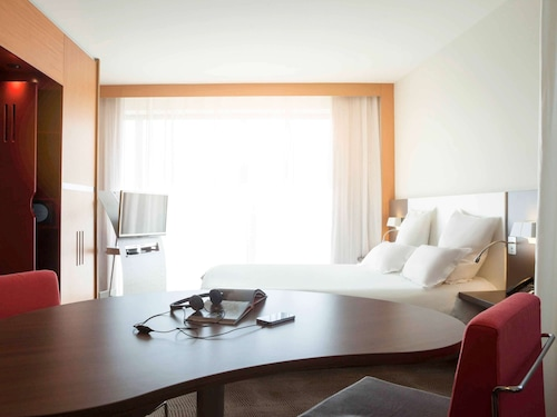 . Novotel Suites Rouen Normandie