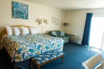Standard Room, 1 King Bed, Sea View