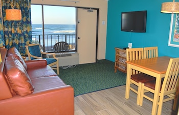 One-Bedroom Suite with Ocean View - Non-Smoking