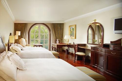 The Green Park Hotel, Miguel Hidalgo