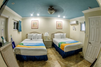 Standard Room: 2 Double Beds