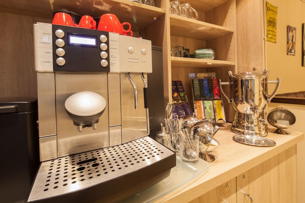 호텔 카스타니엔호프 베를린(Hotel Kastanienhof Berlin) Hotel Image 56 - 커피 서비스
