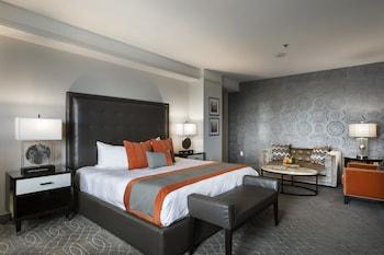 Superior Room, 1 King Bed, Corner