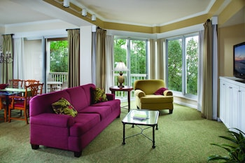 Living Area at Marriott's Harbour Club in Hilton Head Island