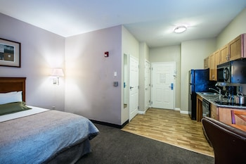 Room, 1 Queen Bed, Accessible, Non Smoking (Transfer Shower)