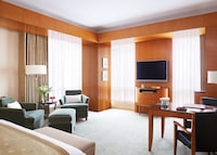 Executive Room, 1 King Bed (Premier)
