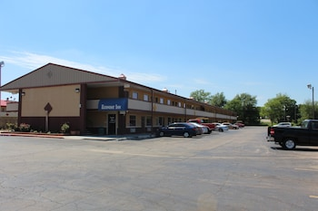 Economy Inn North Oklahoma City photo