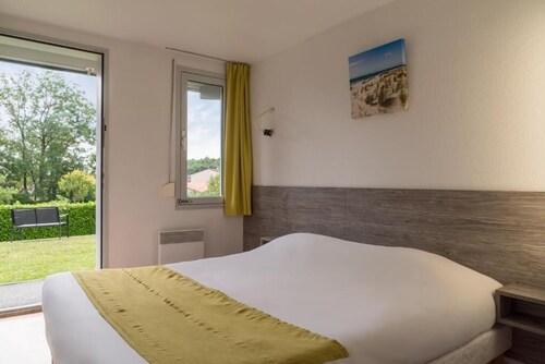__{offers.Best_flights}__ The Originals Access, Hôtel Recouvrance, Saintes Ouest (P'tit Dej-Hotel)