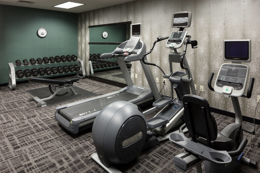Health and Fitness : Fitness Facility 31 of 127