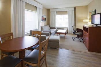 Suite, 1 Bedroom (1 King, Living, Dining)