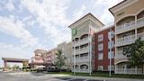 Maple Grove Hotels