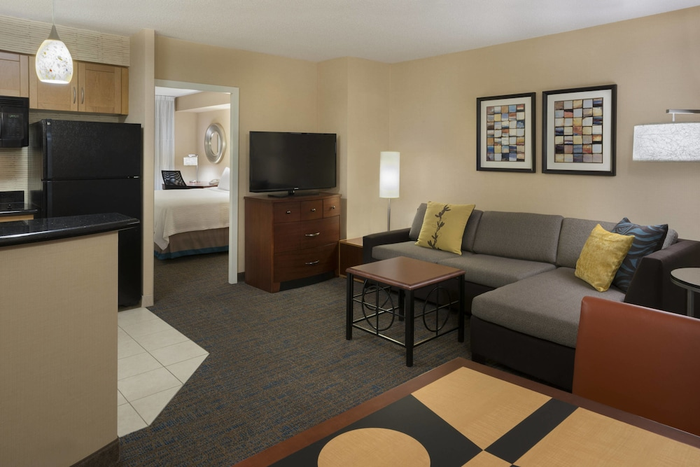 Residence Inn by Marriott Toronto Downtown / Entertainment District, Toronto
