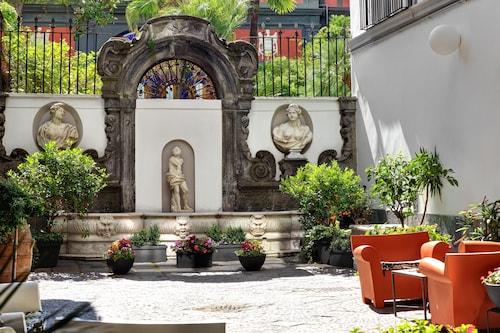 __{offers.Best_flights}__ Hotel Piazza Bellini & Apartments