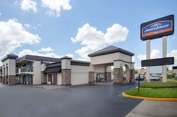Hotel - Howard Johnson by Wyndham Airport Florida Mall