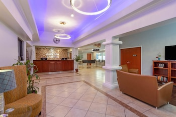 Hotel - Days Inn & Suites by Wyndham Lakeland