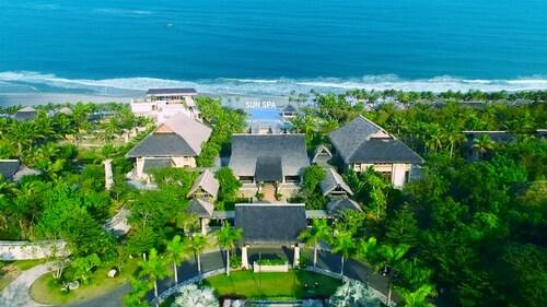 . Sun Spa Resort & Villas