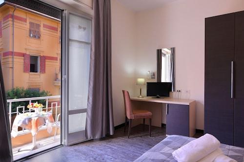 . Hotel Ferrari