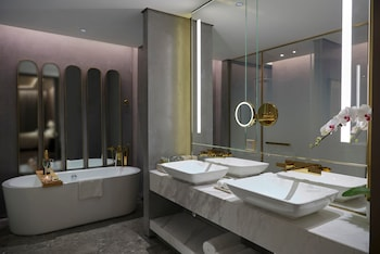 Skyfortune Boutique Hotel Shanghai - Bathroom  - #0