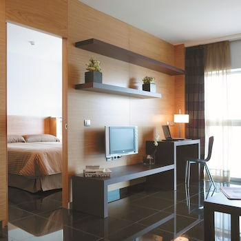 Hotel - Hesperia Fira Suites
