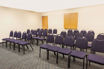 Microtel Inn & Suites by Wyndham Conyers/Atlanta Area - Meeting Facility  - #0