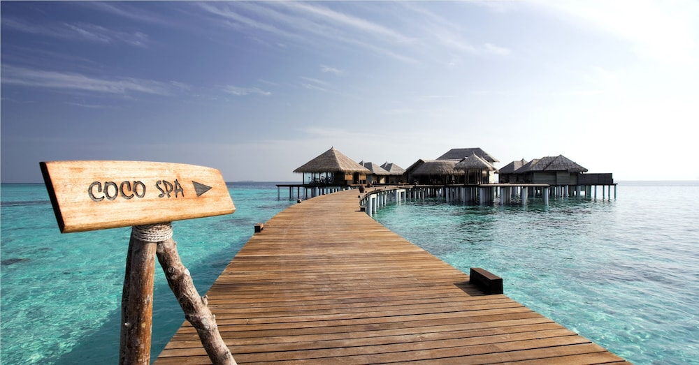 Coco Bodu Hithi | Qantas Hotels