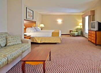Suite, 1 King Bed, Non Smoking (Pullout)
