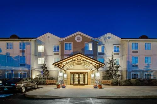 . Staybridge Suites Cleveland Mayfield Heights Beachwood, an IHG Hotel