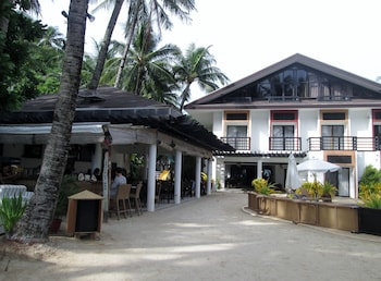 Microtel Boracay Hotel Front
