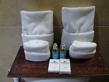 Microtel Boracay Bathroom