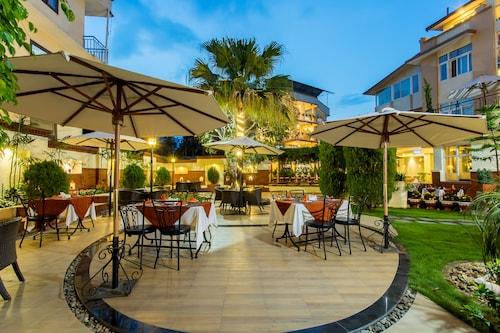 . Hotel Moonlight