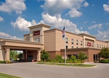 Hampton Inn & Suites Grand Rapids Airport 28th Street