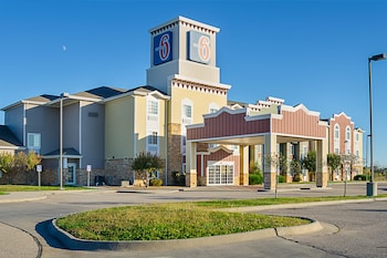 Hotel - Motel 6 Park City KS