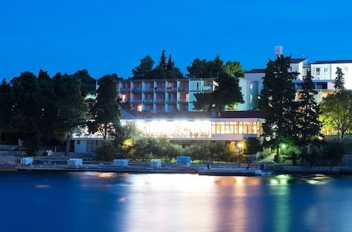 . Hotel Park