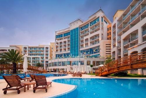 Budva - Hotel Splendid Conference and Spa Resort - z Warszawy, 2 kwietnia 2021, 3 noce